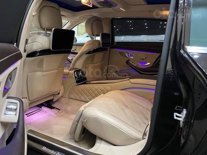Mercedes Benz S600 Maybach màu đen, nội thất trắng kem, một tuyệt tác siêu phẩm, đời 2016, đi đúng 40.225 km (11)