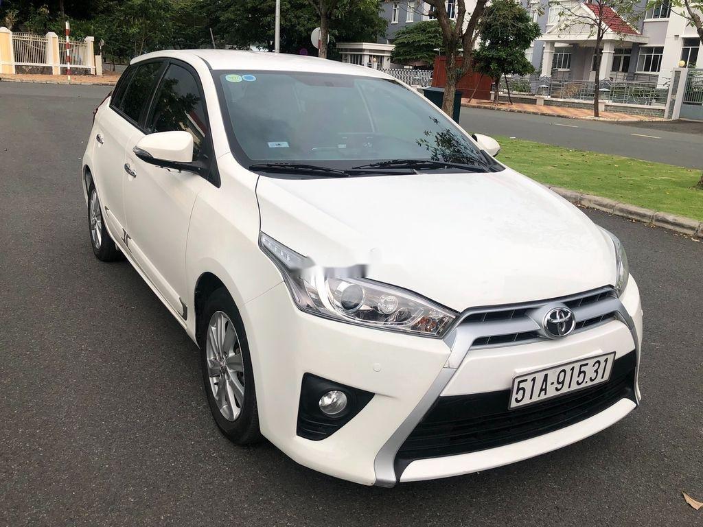 Cần bán xe Toyota Yaris sản xuất năm 2014, màu trắng, nhập khẩu (2)