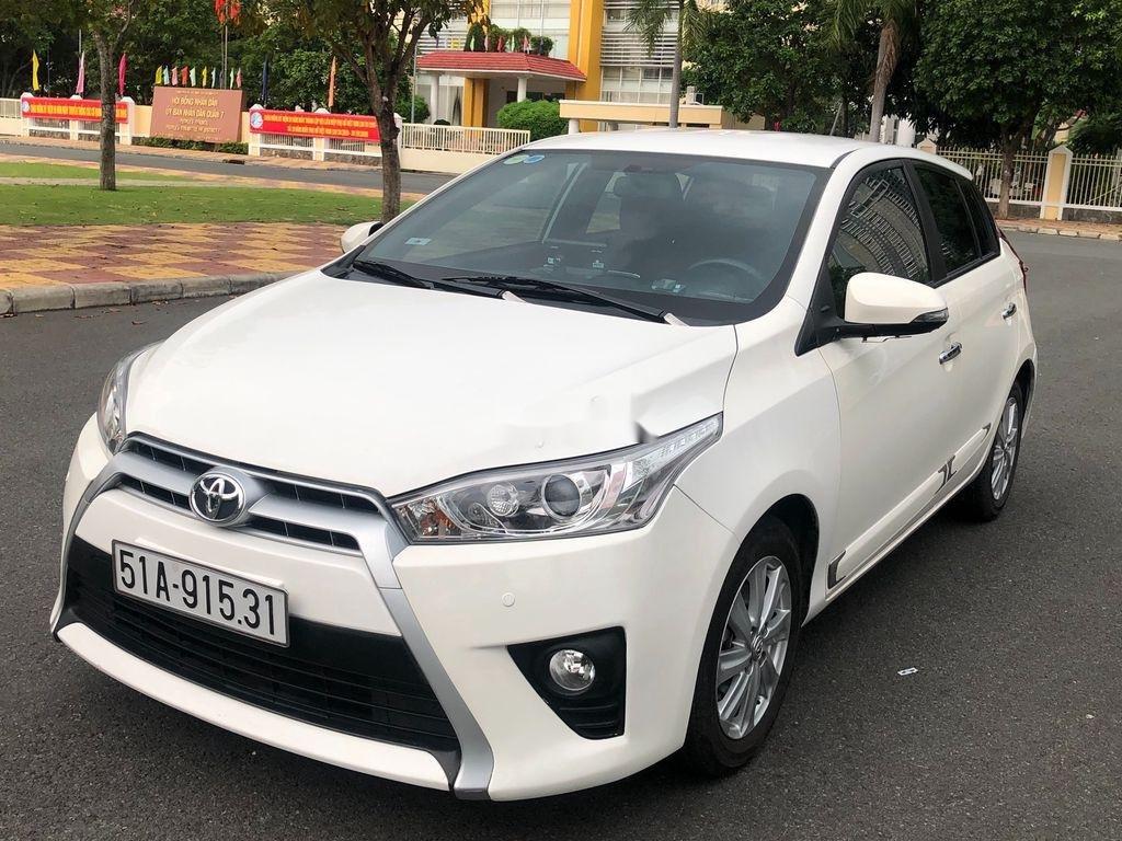 Cần bán xe Toyota Yaris sản xuất năm 2014, màu trắng, nhập khẩu (1)