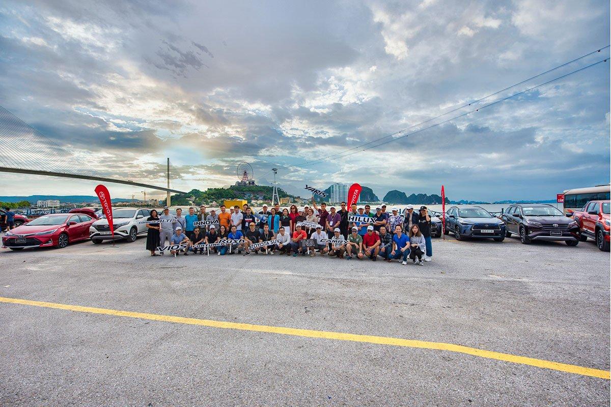 Hành trình trải nghiệm Toyota SUV - Đậm chất sống có sự góp mặt của hơn 50 phóng viên chuyên ngành ô tô.