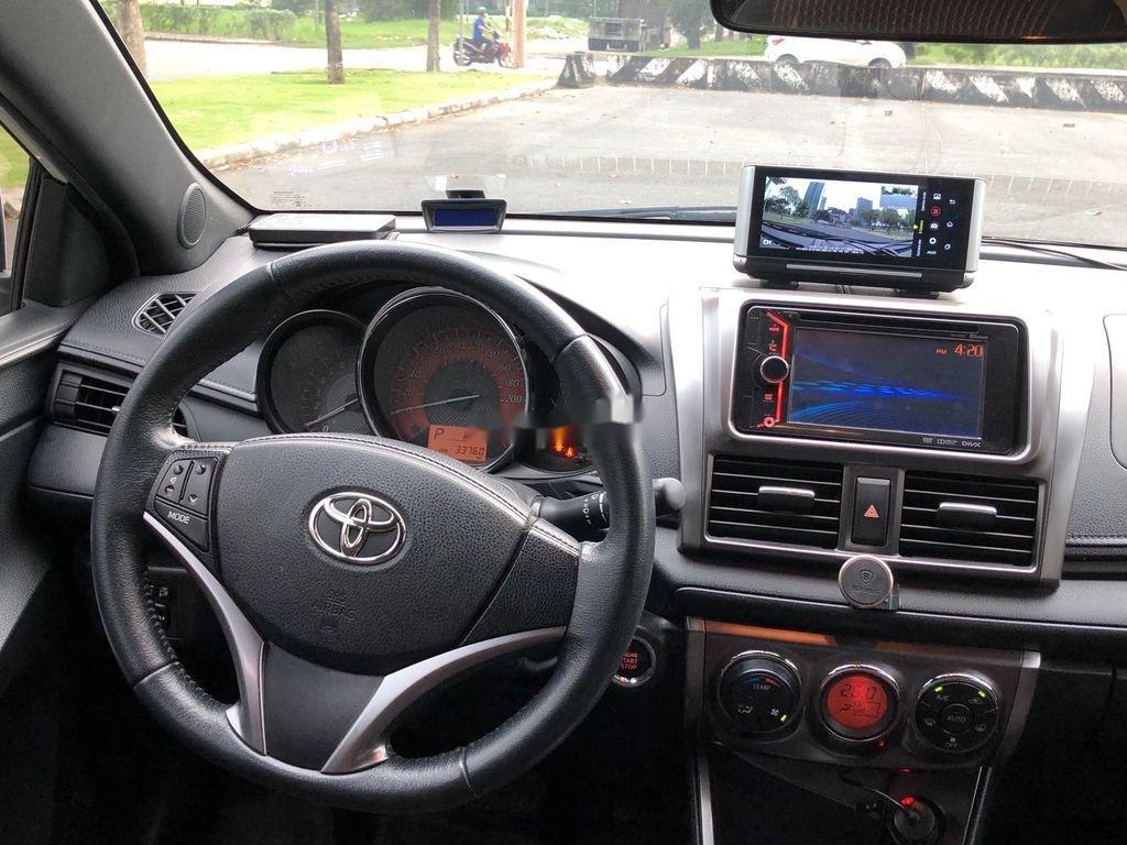 Cần bán xe Toyota Yaris sản xuất năm 2014, màu trắng, nhập khẩu (7)