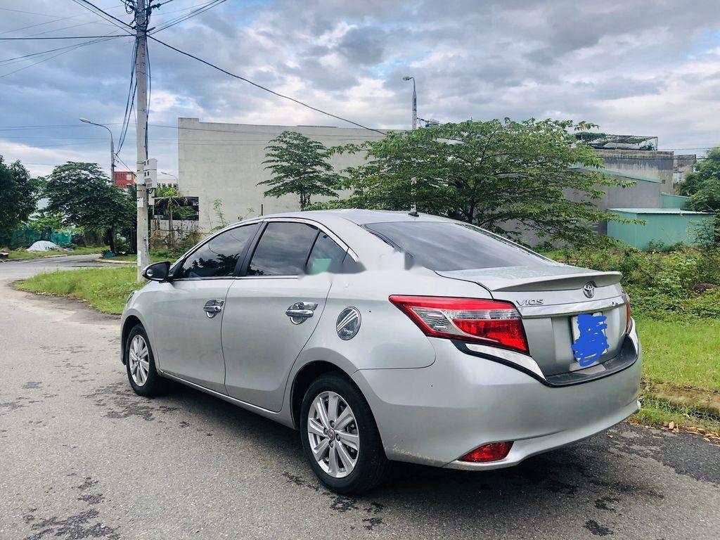 Bán Toyota Vios sản xuất năm 2015, màu bạc số tự động (5)