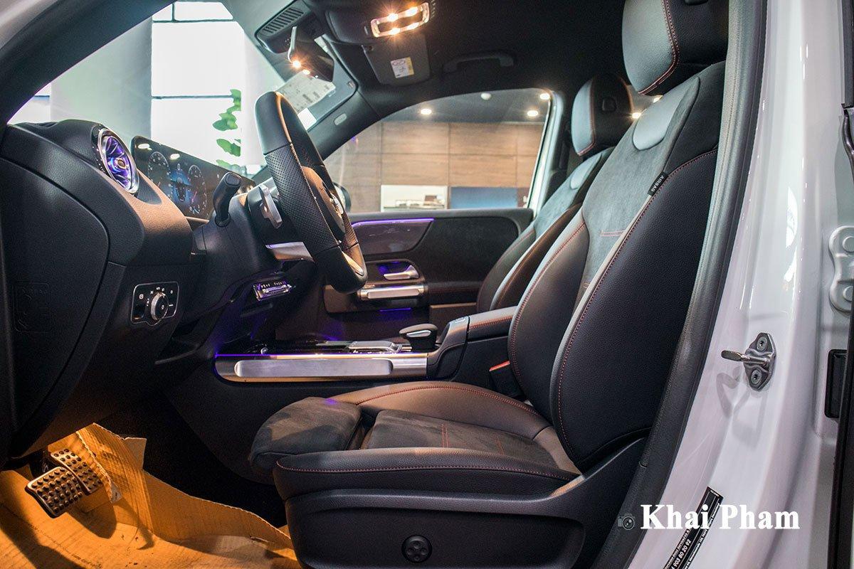 Ảnh Ghế lái xe Mercedes-Benz GLB 200 AMG 2020