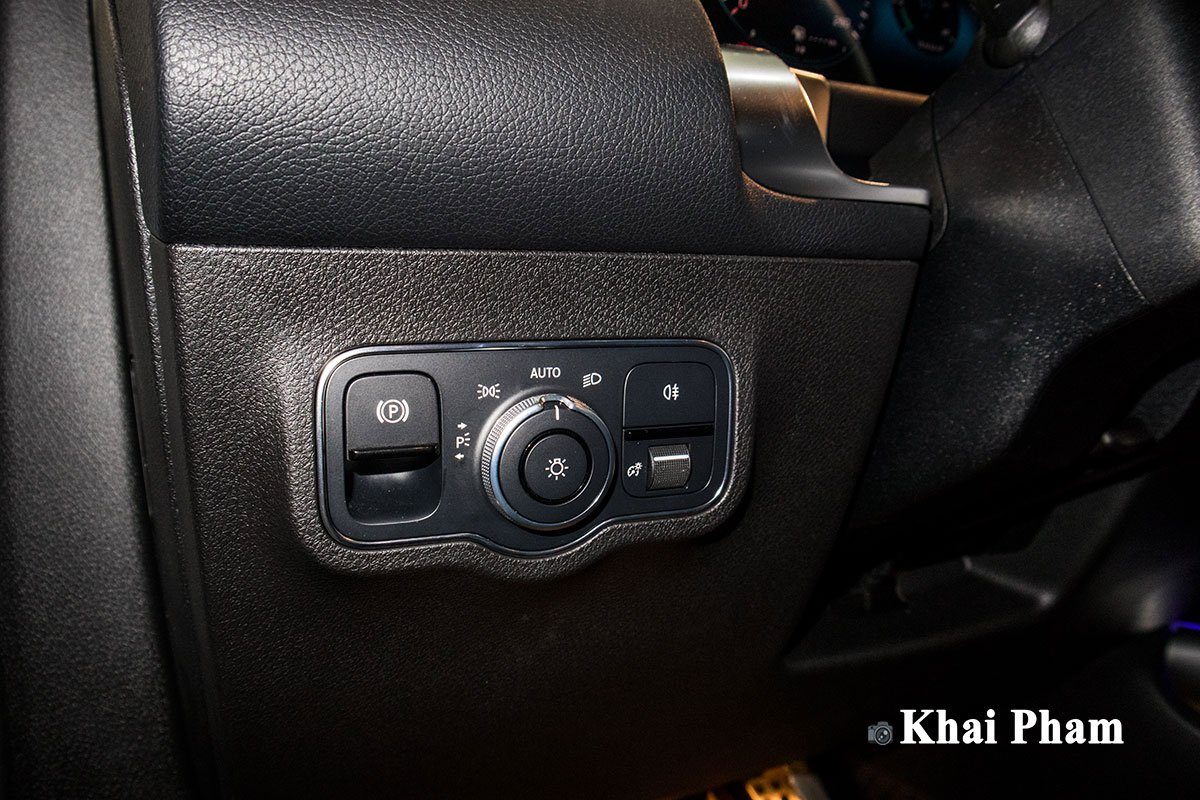 Ảnh Chỉnh đèn xe Mercedes-Benz GLB 200 AMG 2020