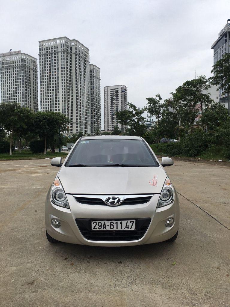 Bán Hyundai i20 sản xuất 2012, màu bạc, nhập khẩu. Biển Hà Nội (1)