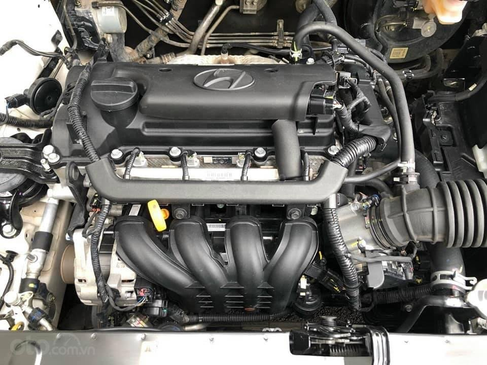 Bán xe giá thấp chiếc Hyundai Accent AT đời 2019, xe giá thấp, còn mới, động cơ ổn định (5)
