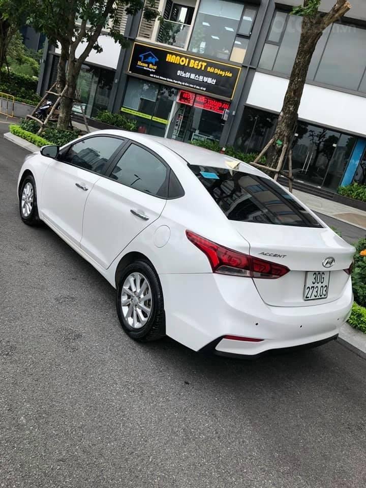Bán xe giá thấp chiếc Hyundai Accent AT đời 2019, xe giá thấp, còn mới, động cơ ổn định (2)