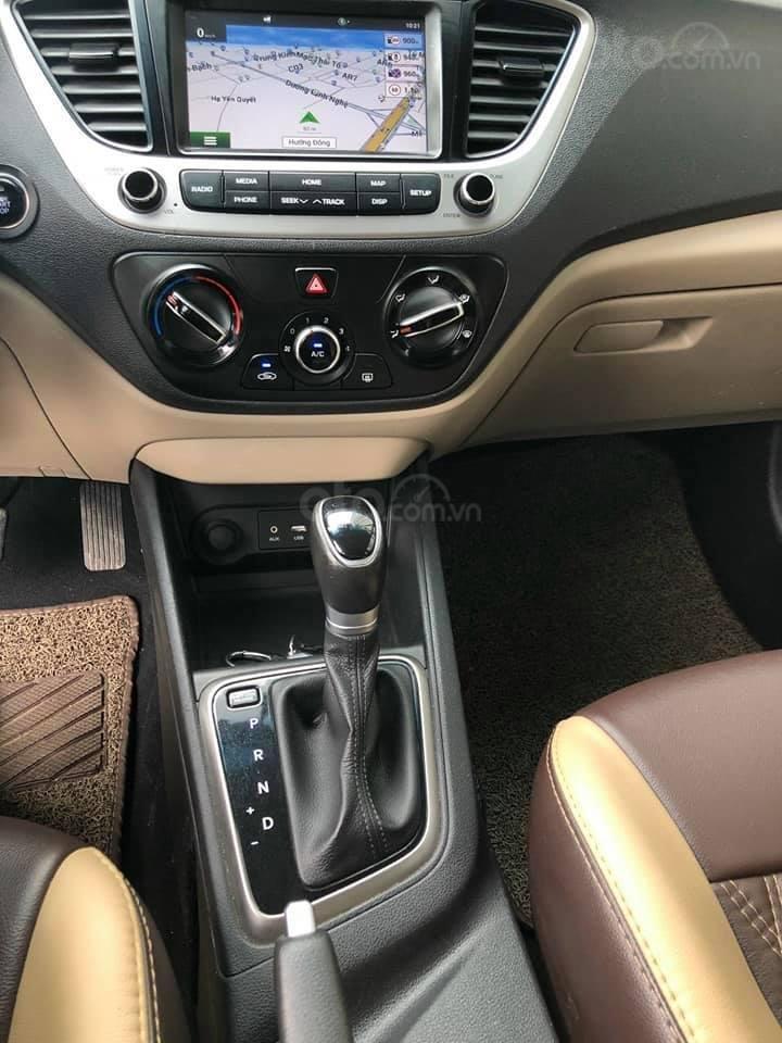 Bán xe giá thấp chiếc Hyundai Accent AT đời 2019, xe giá thấp, còn mới, động cơ ổn định (8)