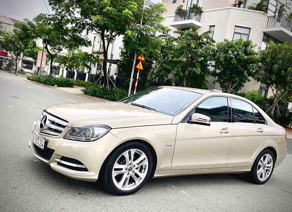 Bán ô tô Mercedes C200 năm 2012, nhập khẩu, giá tốt (1)