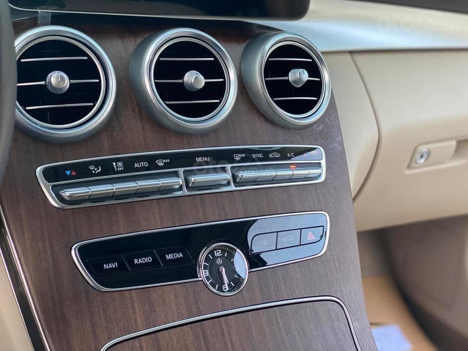 Bán Mercedes C200 Exclusive sx 2019 (15)