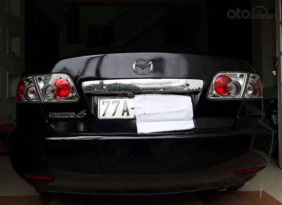 Bán Mazda 6 năm sản xuất 2005, màu đen xe gia đình giá cạnh tranh (4)