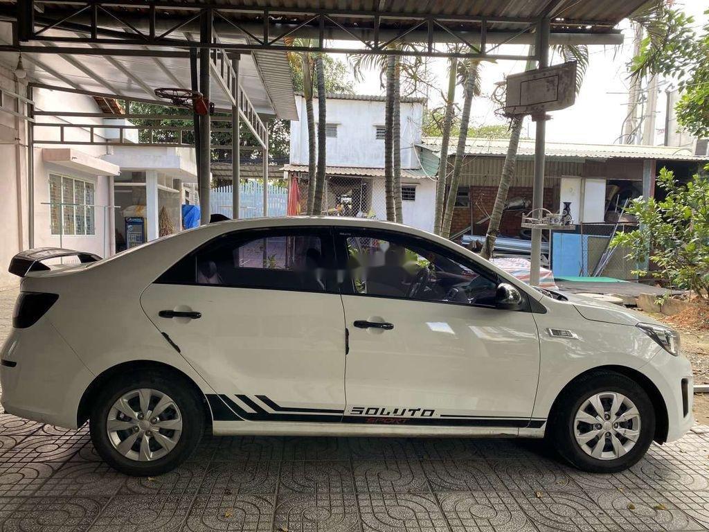 Cần bán gấp Kia Soluto năm sản xuất 2019, màu trắng, số sàn (4)
