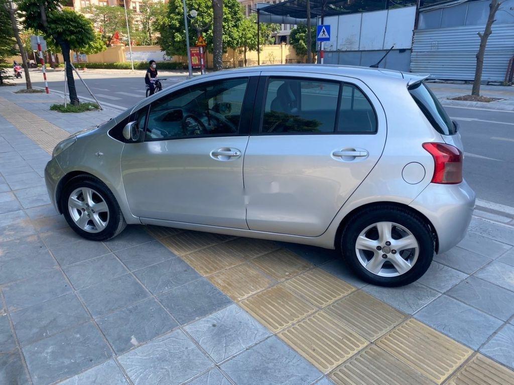 Cần bán gấp Toyota Yaris đời 2007, màu bạc, nhập khẩu nguyên chiếc (3)