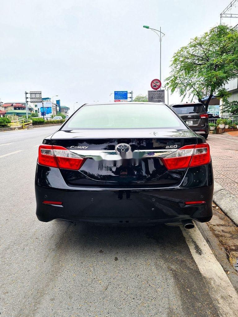 Cần bán Toyota Camry 2.5Q đời 2014, màu đen (7)