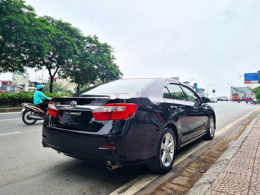 Cần bán Toyota Camry 2.5Q đời 2014, màu đen (6)