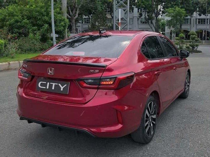 Thiết kế đuôi xe Honda City 2020 bản RS 1