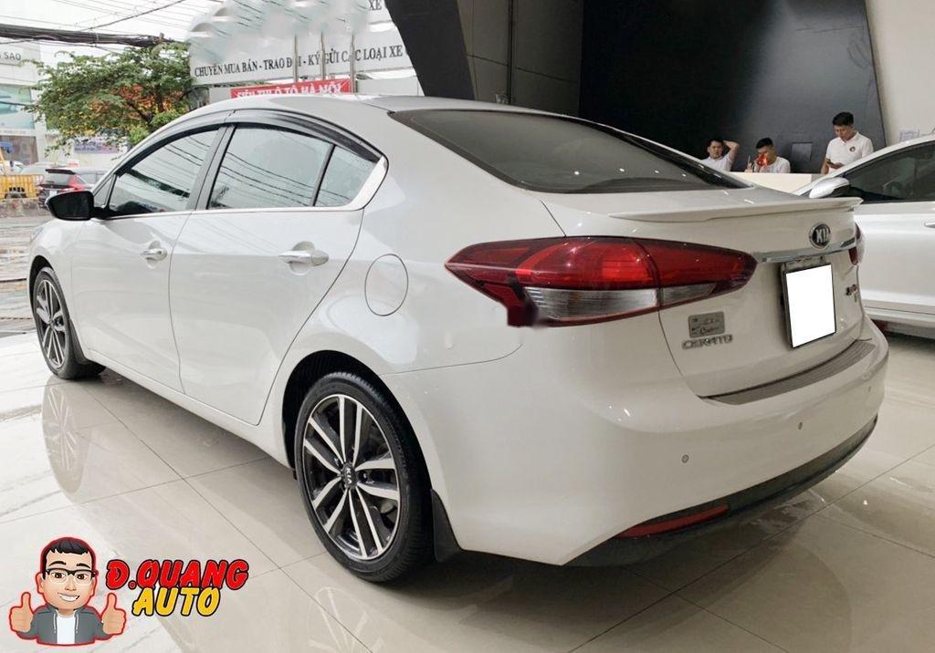 Cần bán lại xe Kia Cerato đời 2017, màu trắng (2)