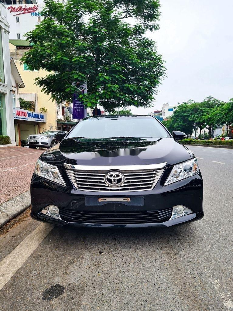 Cần bán Toyota Camry 2.5Q đời 2014, màu đen (1)