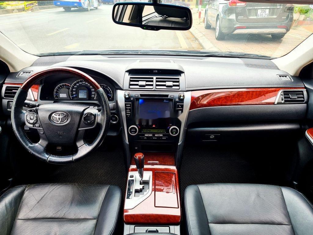 Cần bán Toyota Camry 2.5Q đời 2014, màu đen (10)