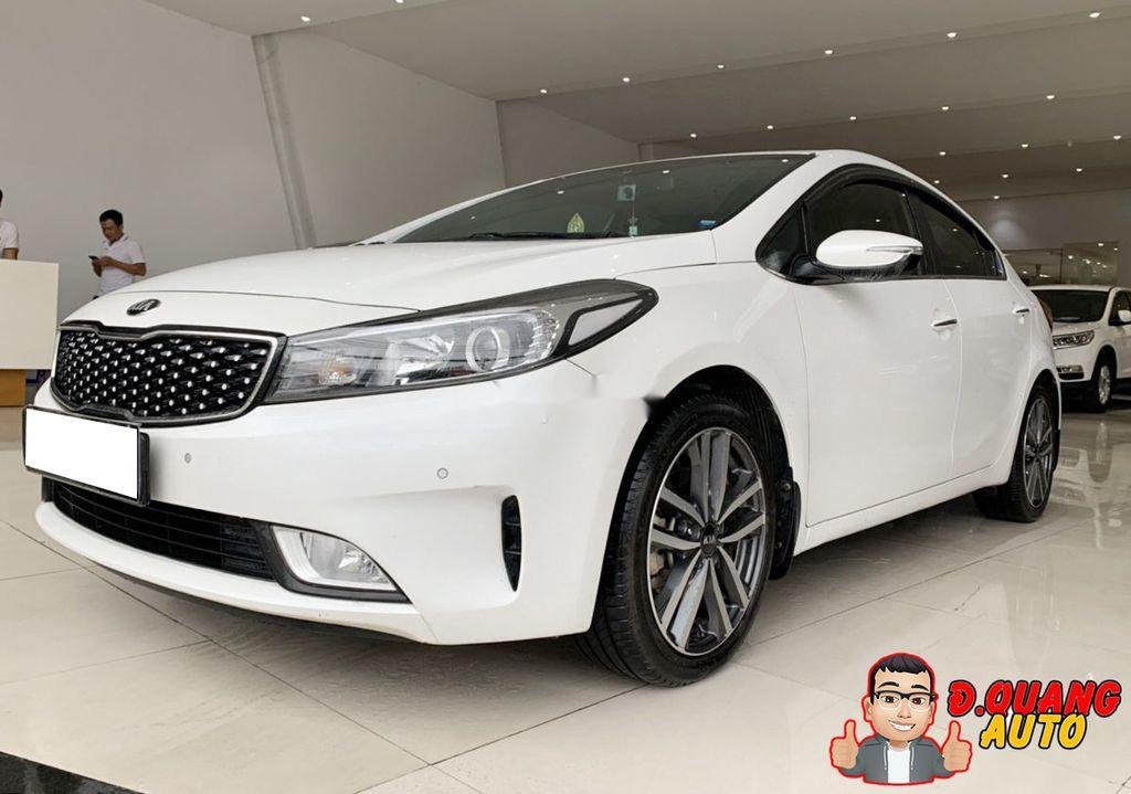 Cần bán lại xe Kia Cerato đời 2017, màu trắng (1)