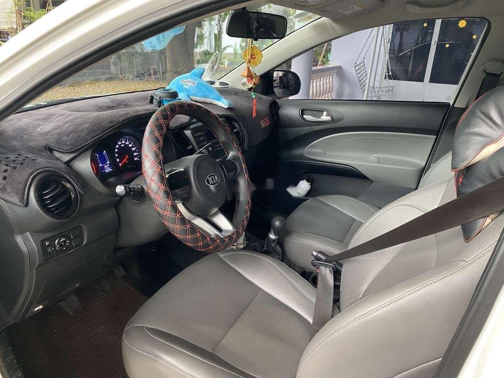 Cần bán gấp Kia Soluto năm sản xuất 2019, màu trắng, số sàn (6)