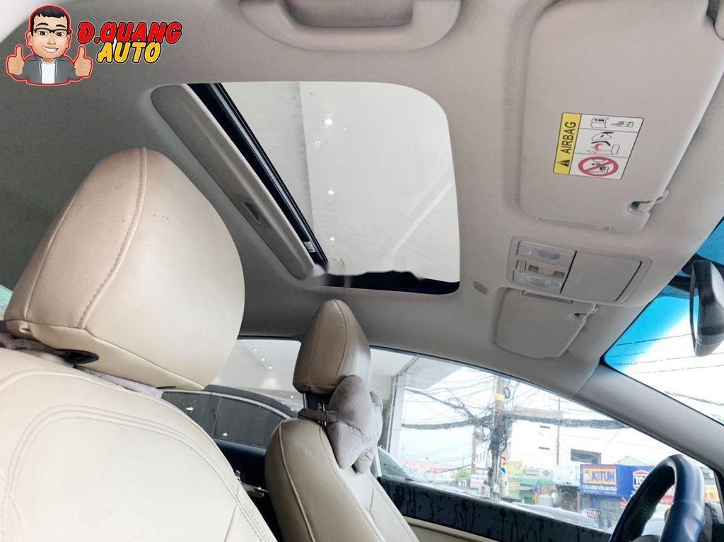 Cần bán lại xe Kia Cerato đời 2017, màu trắng (12)