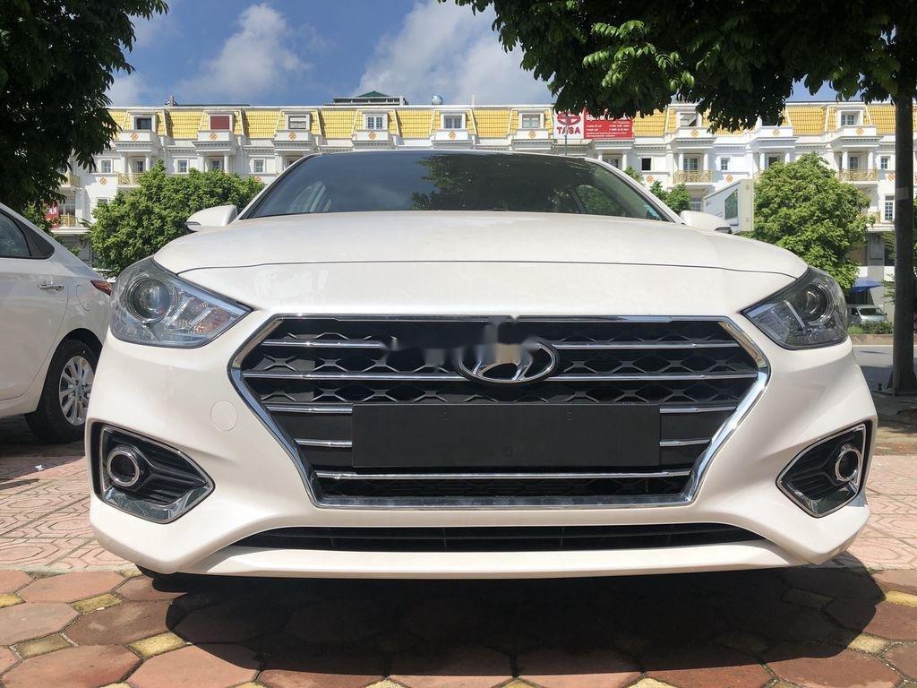 Cần bán xe Hyundai Accent đời 2020, màu trắng (1)