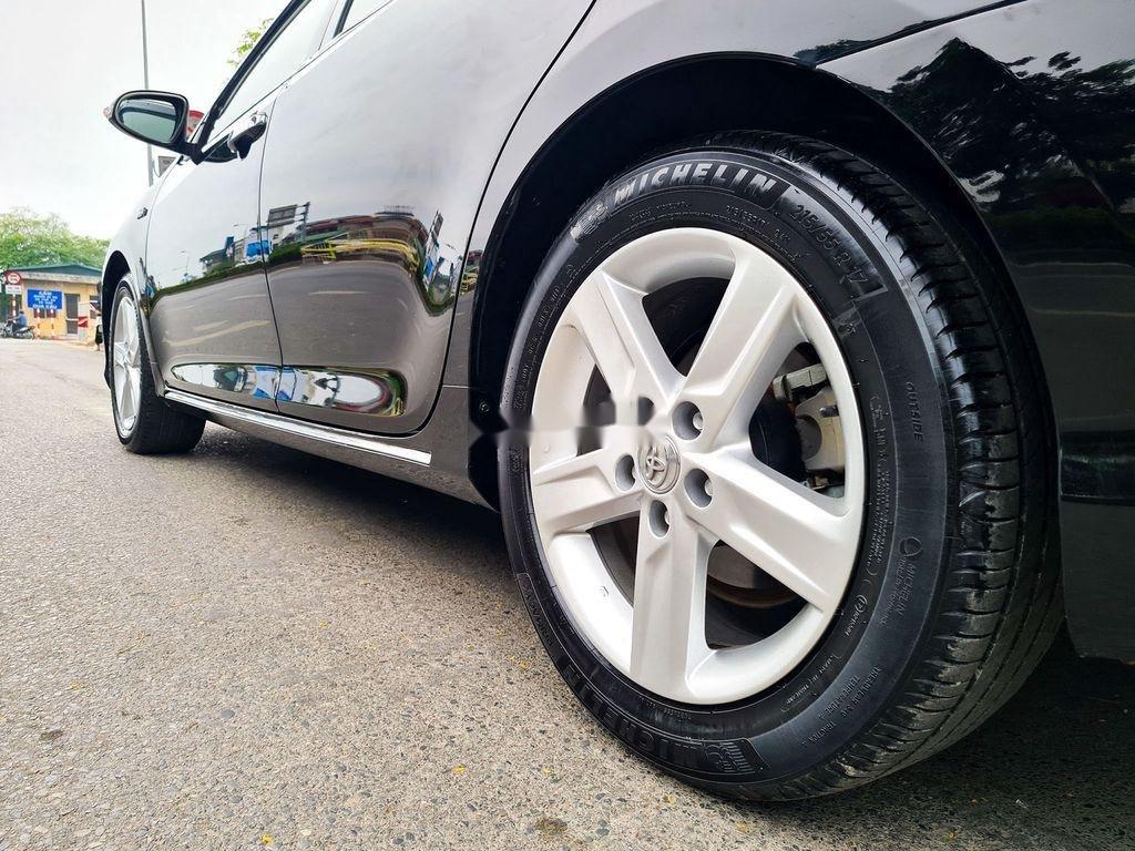Cần bán Toyota Camry 2.5Q đời 2014, màu đen (8)