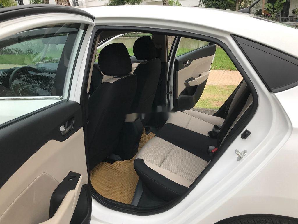 Bán xe Hyundai Accent sản xuất năm 2019, màu trắng, giá chỉ 390 triệu (9)