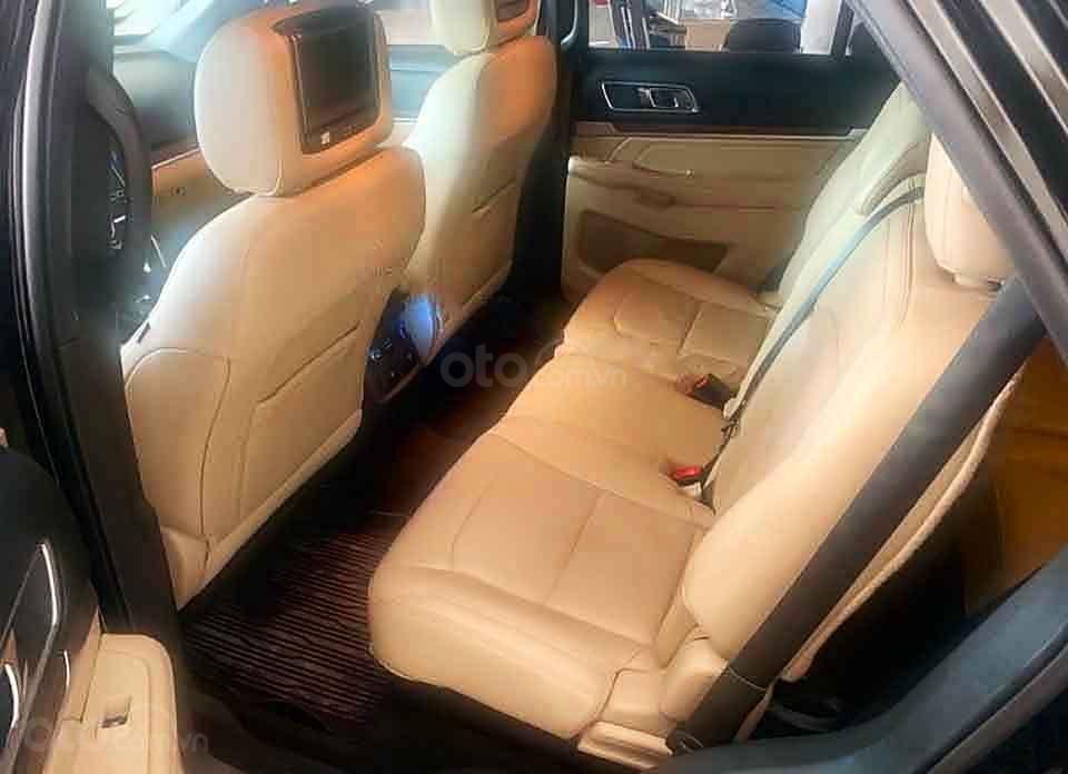 Bán Ford Explorer năm sản xuất 2017, màu đen, xe nhập (4)