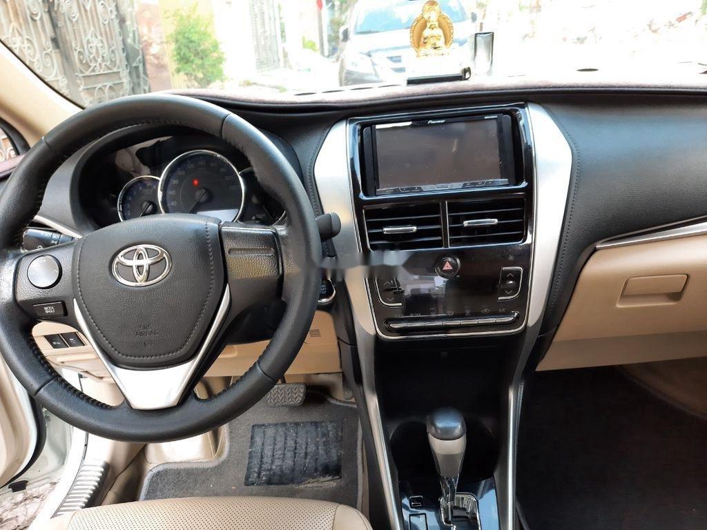 Cần bán xe Toyota Vios năm 2018, màu trắng (4)