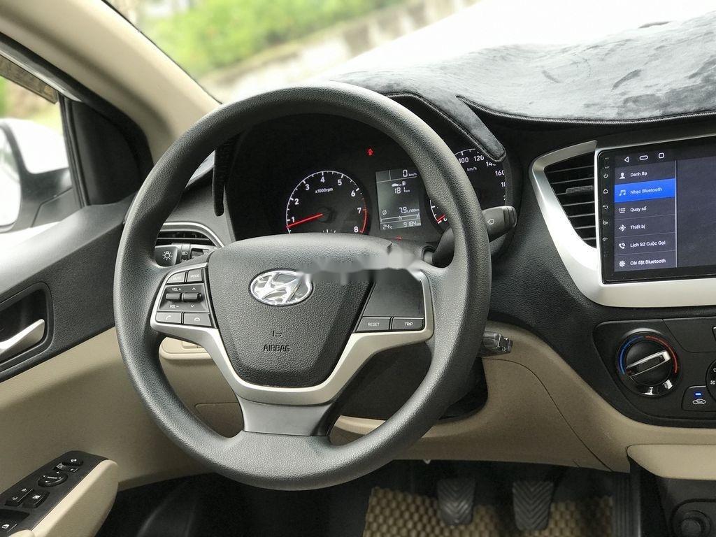Bán xe Hyundai Accent sản xuất năm 2019, màu trắng, giá chỉ 390 triệu (12)