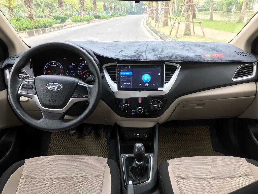 Bán xe Hyundai Accent sản xuất năm 2019, màu trắng, giá chỉ 390 triệu (11)