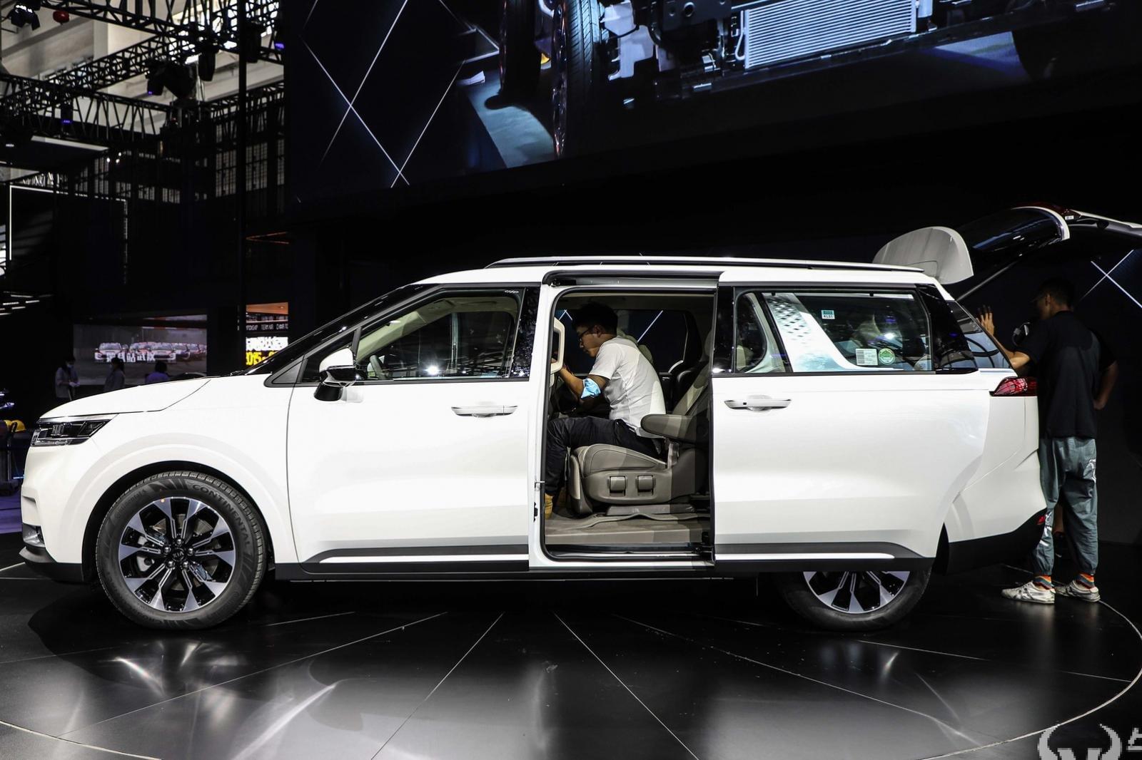 Đánh giá xe Kia Sedona 2021.