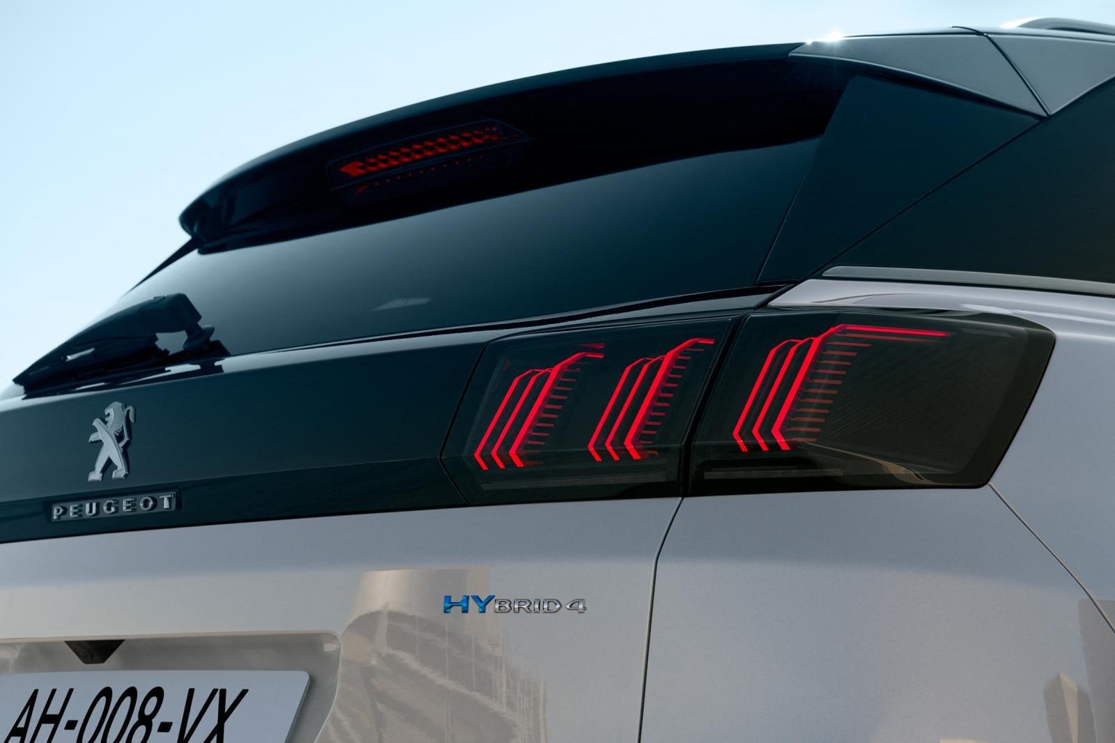 Đánh giá xe Peugeot 3008 2021 về thiết kế đuôi xe - Ảnh 2.