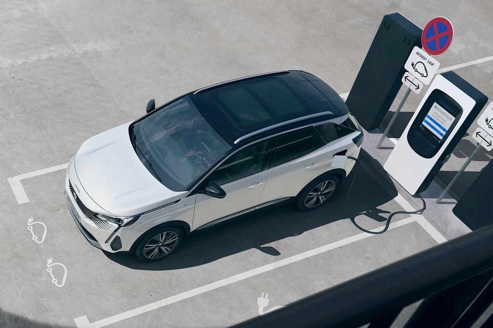 Đánh giá xe Peugeot 3008 2021 về thiết kế thân xe - Ảnh 2.
