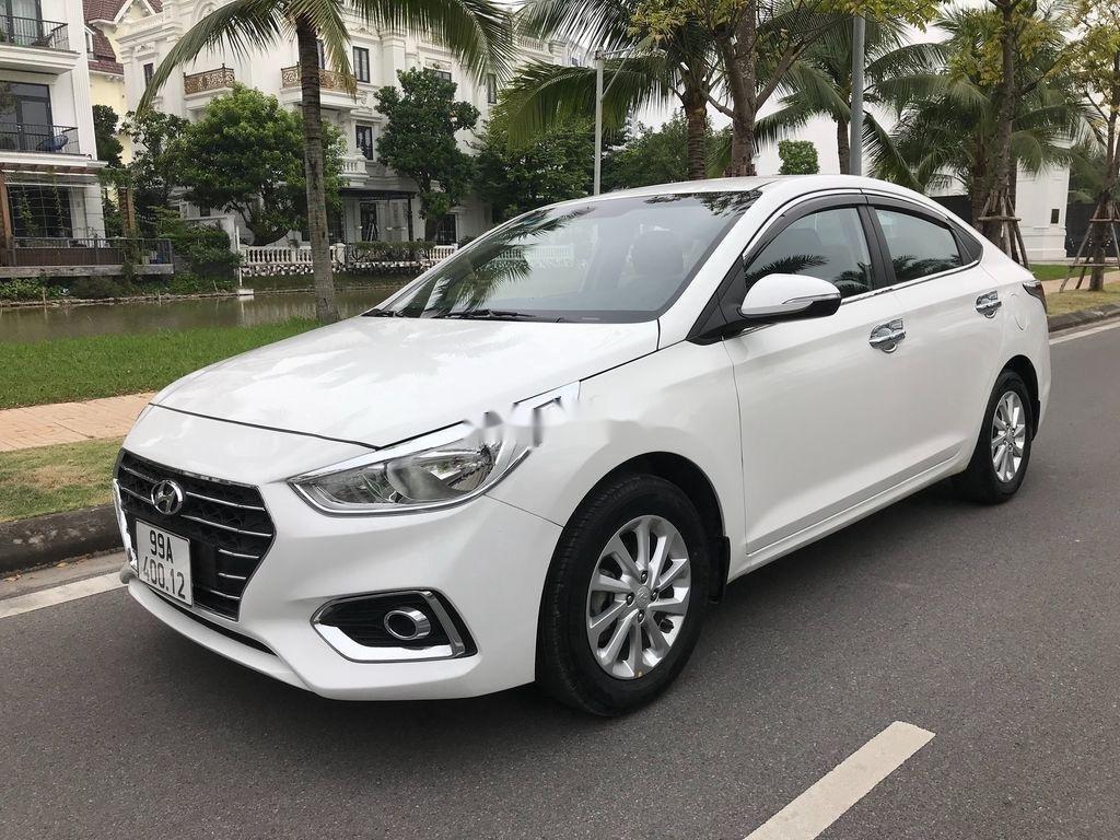 Bán xe Hyundai Accent sản xuất năm 2019, màu trắng, giá chỉ 390 triệu (3)