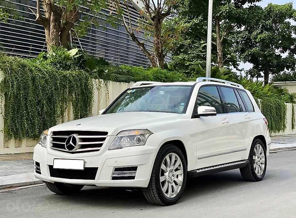 Cần bán Mercedes GLK300 4Matic năm sản xuất 2010, màu trắng, giá tốt (1)
