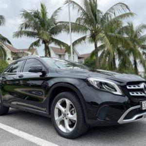 Mercedes Benz GLA 200 sản xuất năm 2017, màu đen (2)