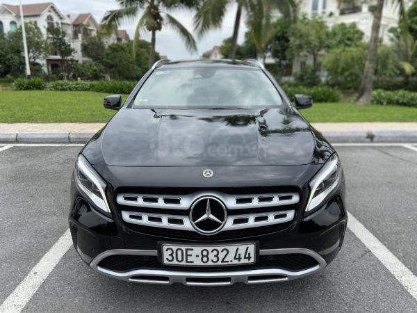 Mercedes Benz GLA 200 sản xuất năm 2017, màu đen (1)
