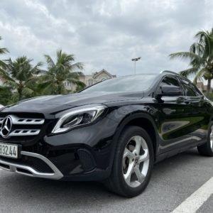 Mercedes Benz GLA 200 sản xuất năm 2017, màu đen (4)
