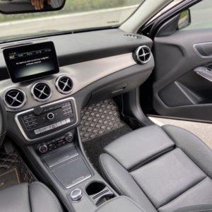 Mercedes Benz GLA 200 sản xuất năm 2017, màu đen (7)