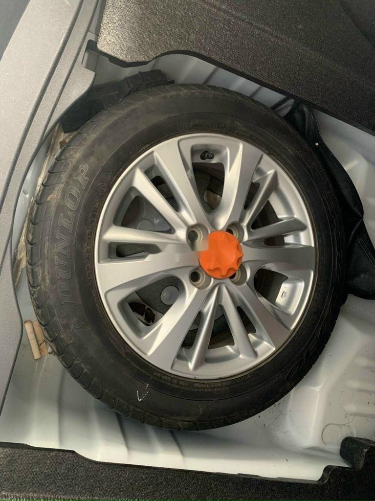 Cần bán Toyota Vios năm 2018 còn mới, 415tr (11)