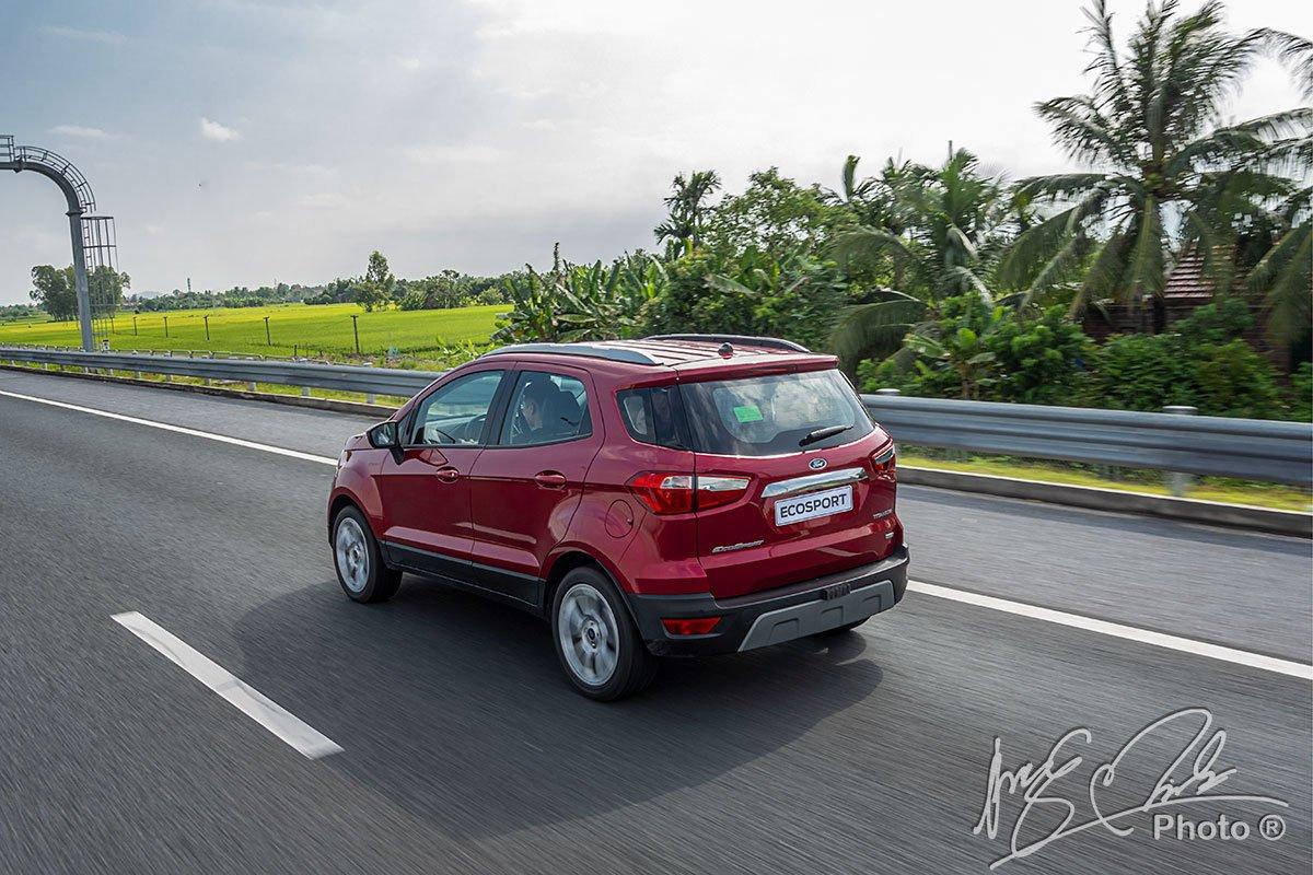Ford EcoSport 2020 dễ dàng hơn khi chạy trong phố.