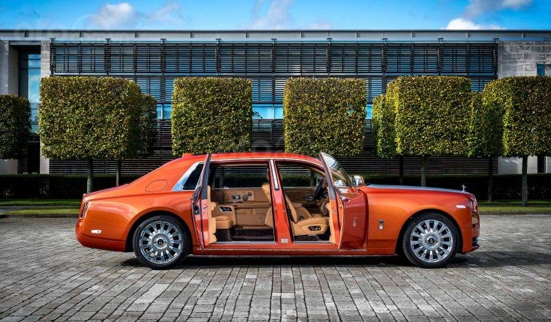 Rolls Royce Phantom VIII 2020, màu cam (2)