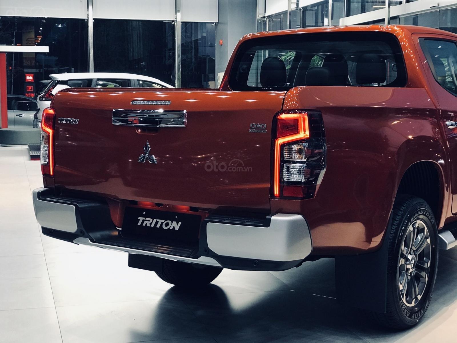 Triton AT new 2021 giá 630 triệu (4)