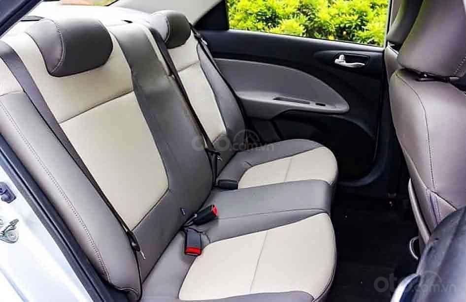 Cần bán xe Kia Soluto sản xuất năm 2020, màu bạc (3)