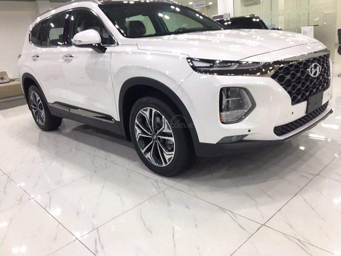 Hyundai Santafe 2020 2.4 máy xăng cao cấp, giảm 50% thuế trước bạ, giảm 40tr tiền mặt, quà tặng phụ kiện 15 tr (3)