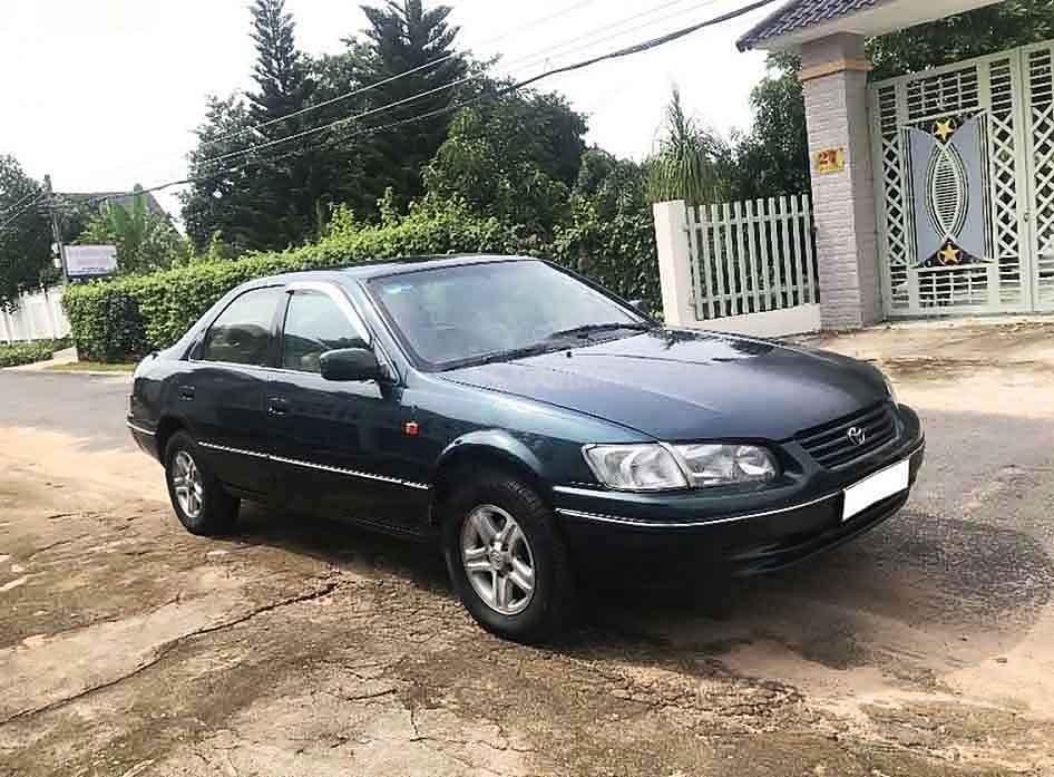 Bán Toyota Camry năm sản xuất 1998, màu xanh, xe nhập (1)