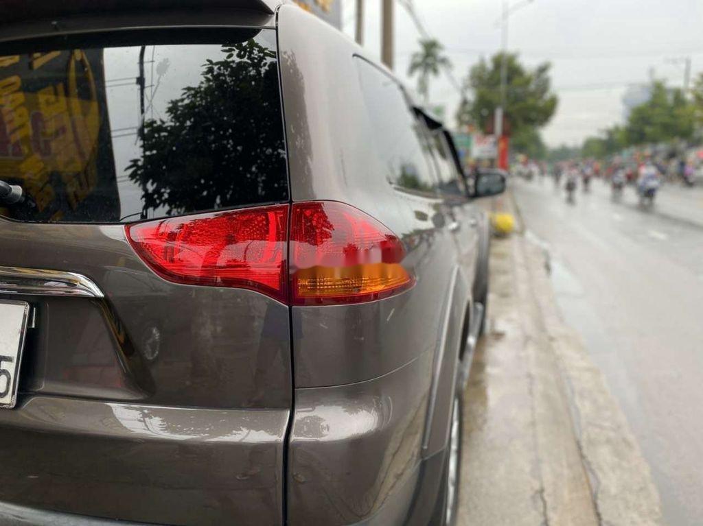 Bán nhanh với giá thấp chiếc Mitsubishi Pajero Sport 2011 số tự động (6)
